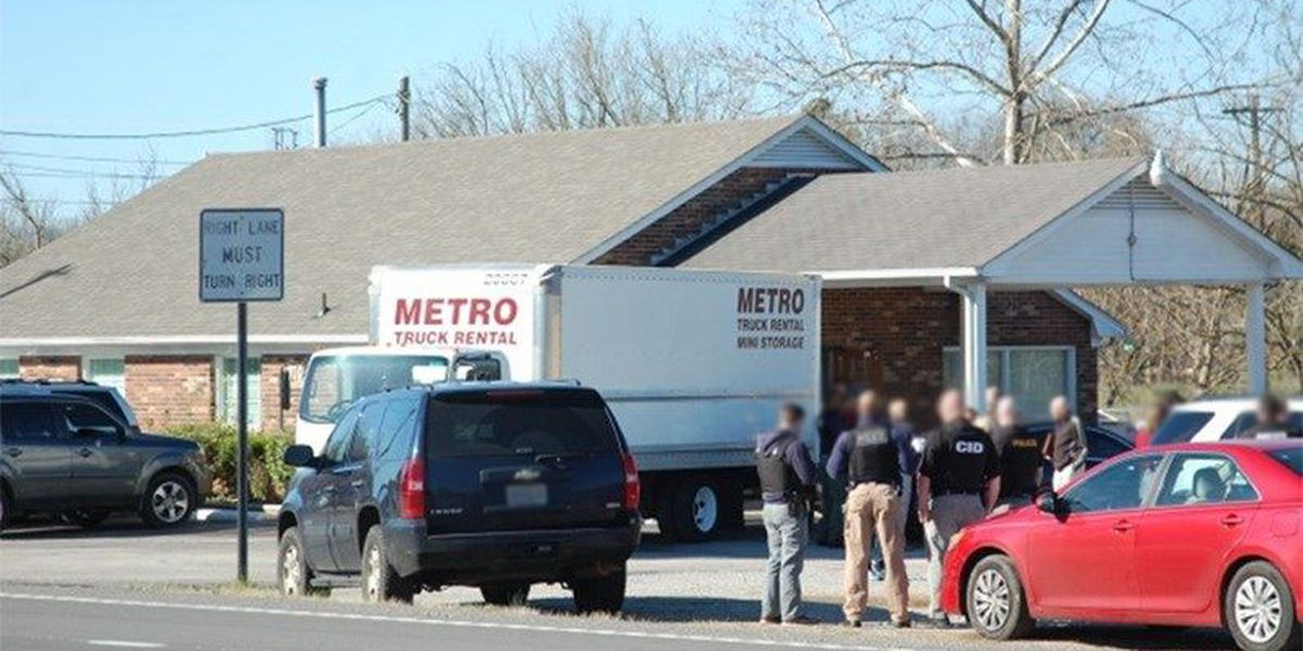 Federal agents raid doctor's office and suspected 'pill mill'