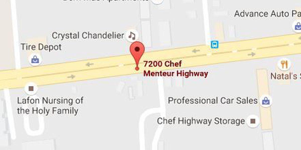 Man killed, woman injured in single-car crash in N.O. East