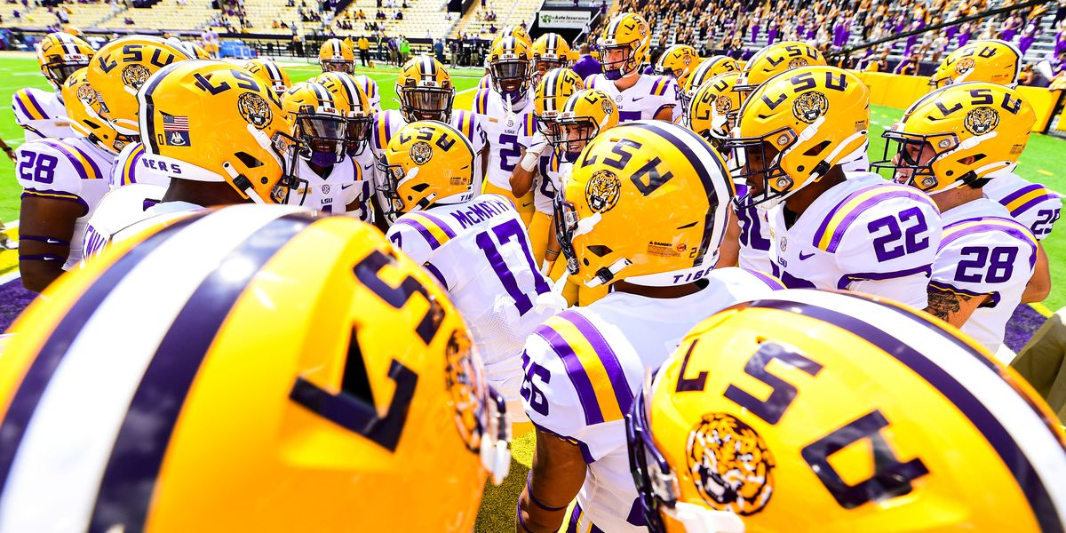LSU self-imposes one-year bowl ban for football
