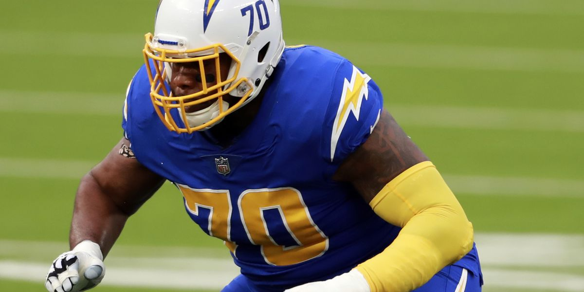 REPORT: Chargers release former LSU offensive lineman Trai Turner