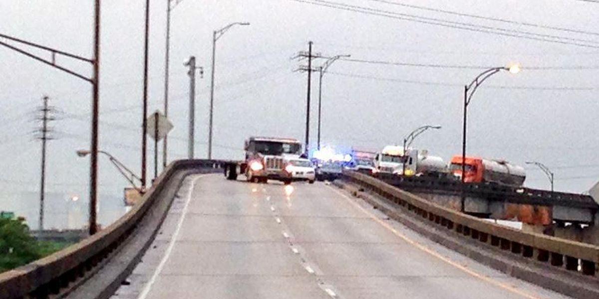 All lanes open after crash on I-610 East at I-10 merge