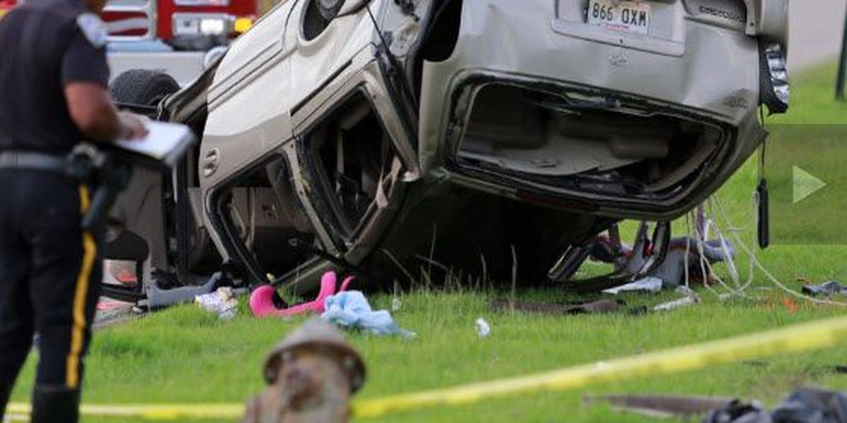 2 children fighting for their lives after crash in Harvey