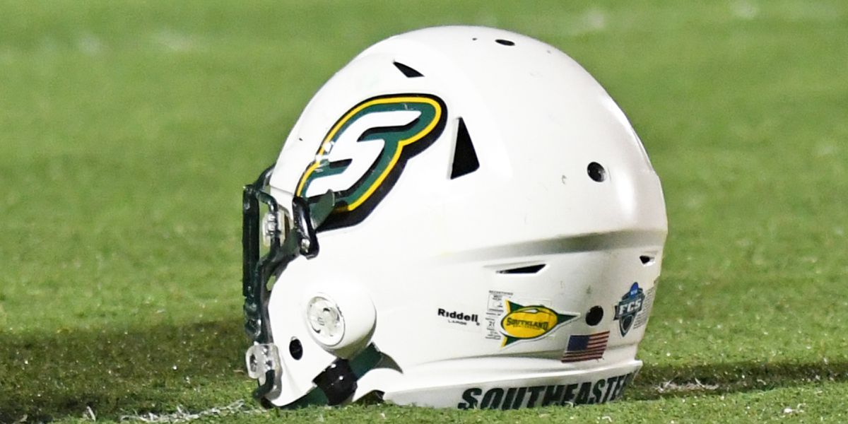 Southeastern overcomes 17 point deficit; tops Villanova in first round of FCS playoffs