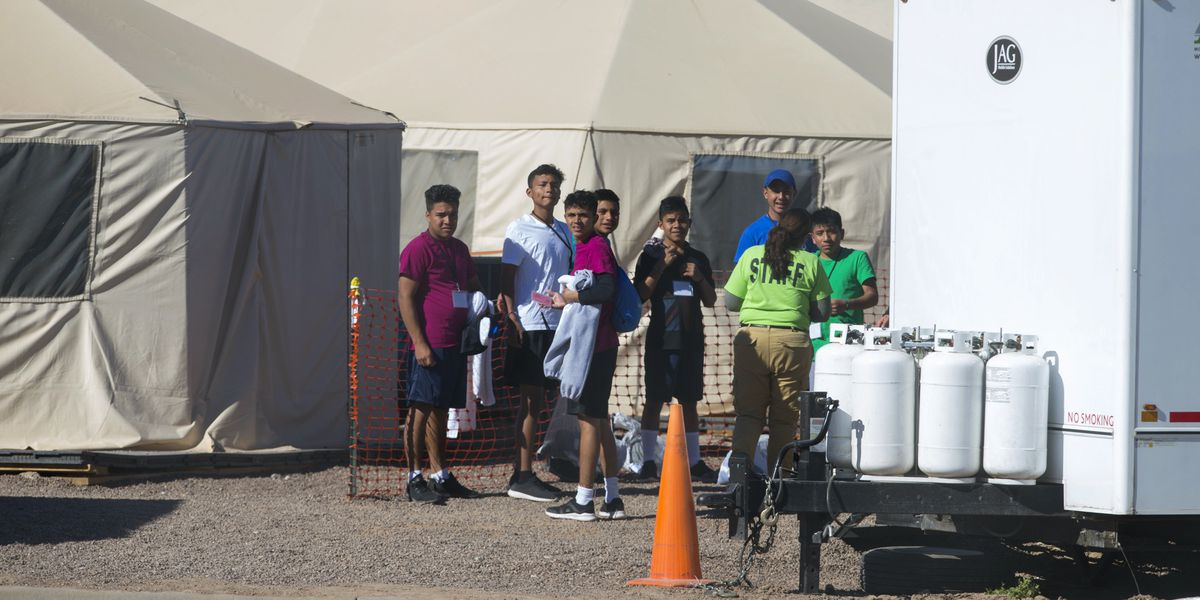 Texas detention camp for teen migrants keeps growing