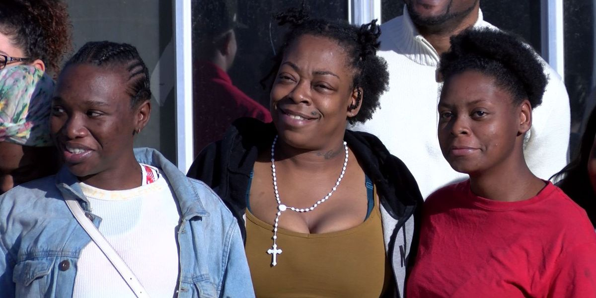 Non-profit organizations bail single moms out of jail before Christmas