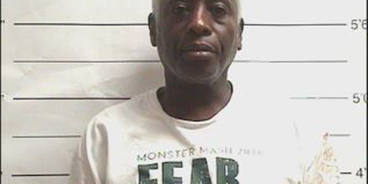 NOPD: Man steals money off woman's shirt, victim fights to get it back