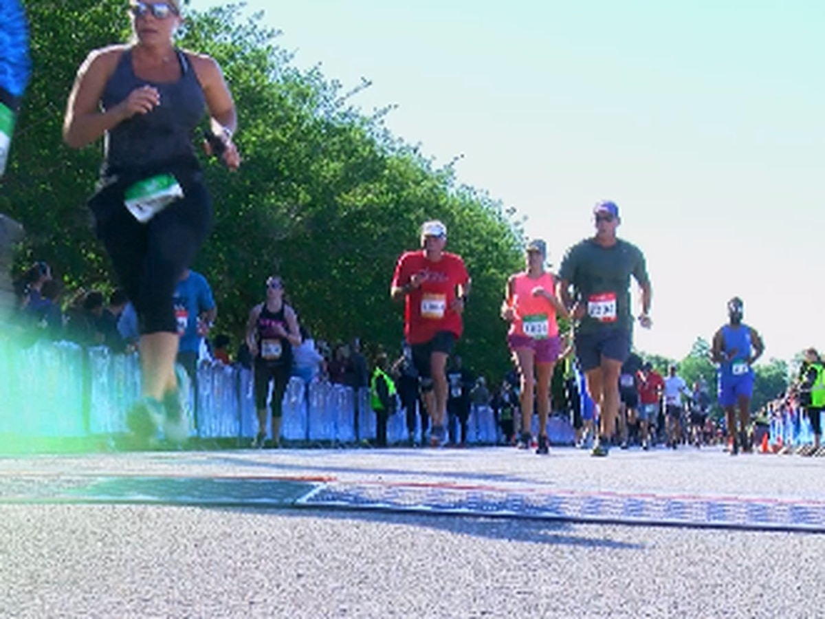 Thousands enjoy good weather in annual Crescent City Classic