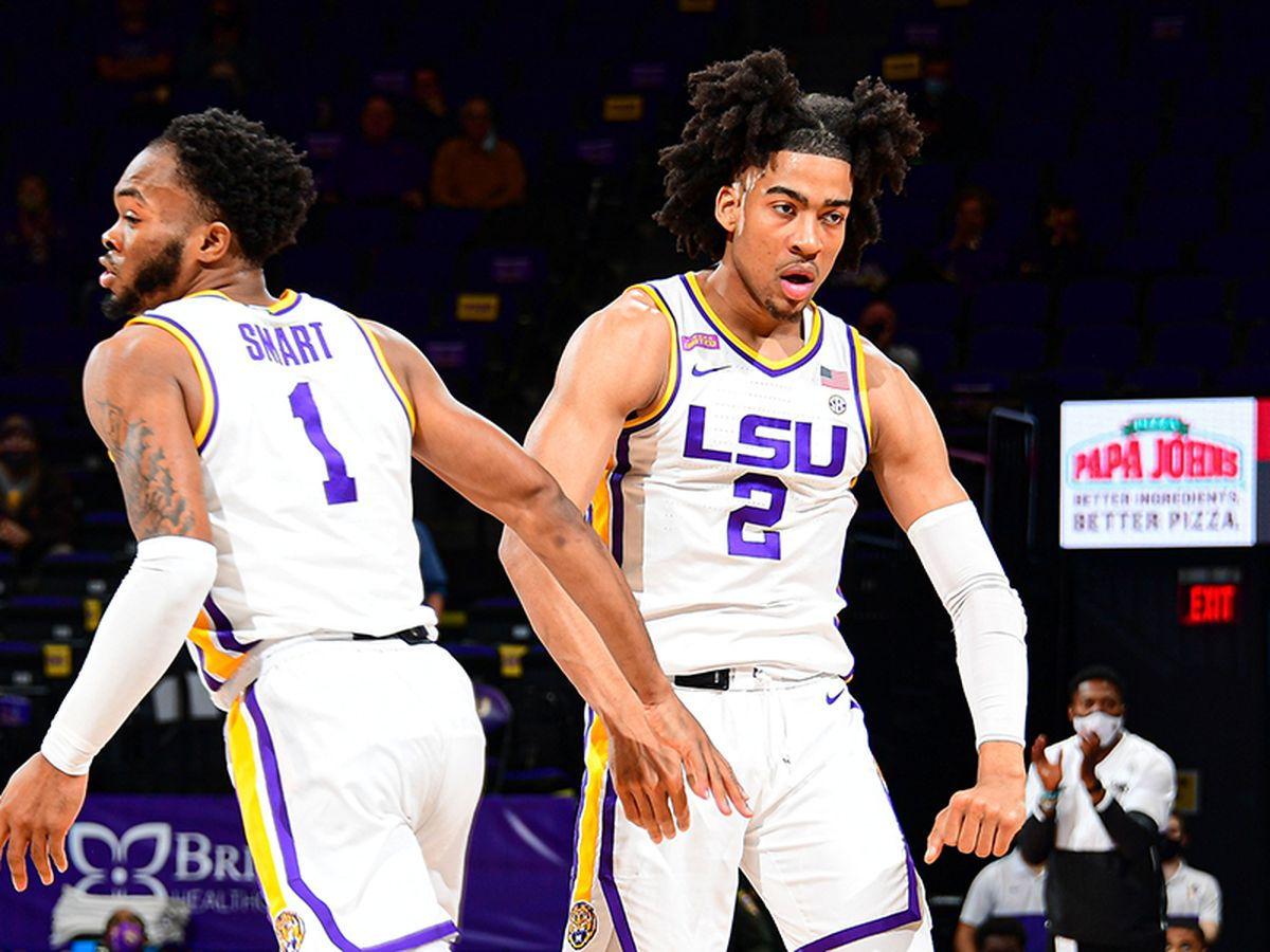 LSU flexes its muscle in 92-76 win over Arkansas