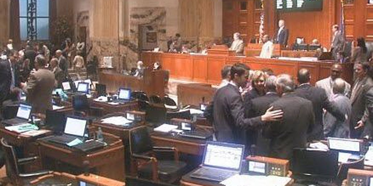 Governor's anti-tax pledge weighed heavily on final day of 2015 session