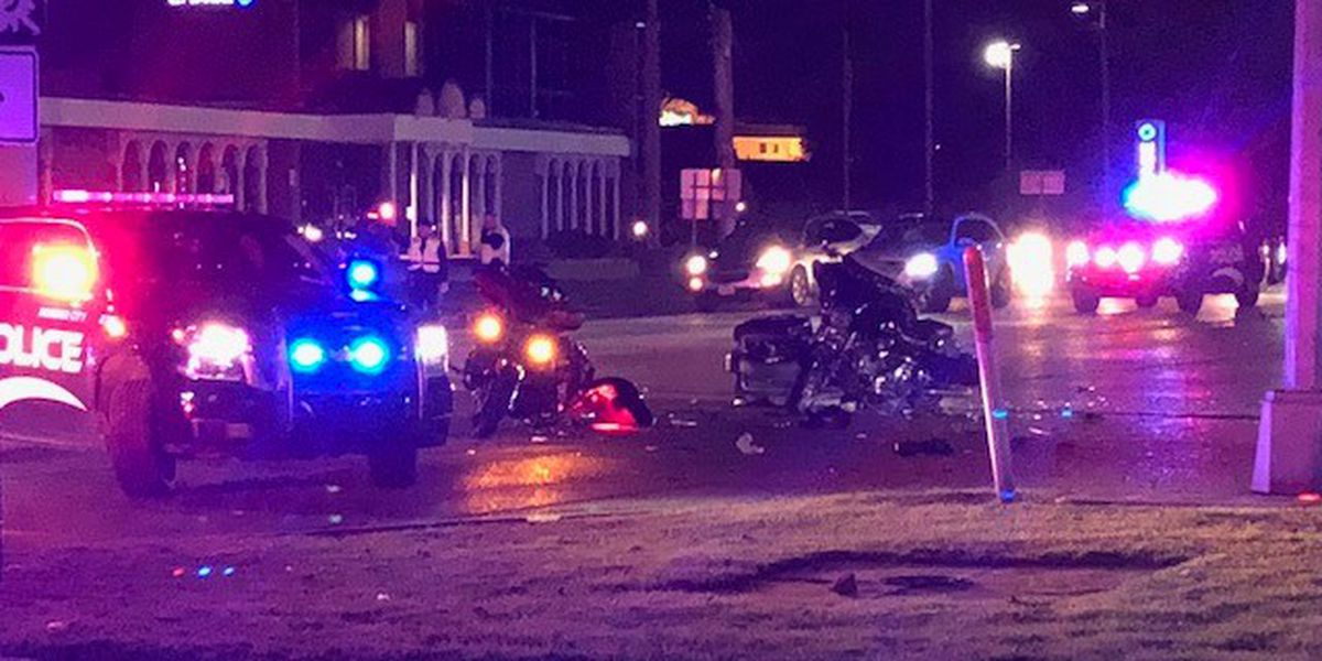 5 hospitalized after motorcycle, car collide in Bossier City