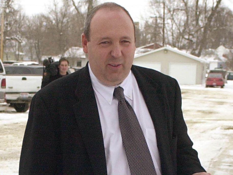 Feds: South Dakota neurosurgeon made millions on unneeded surgeries