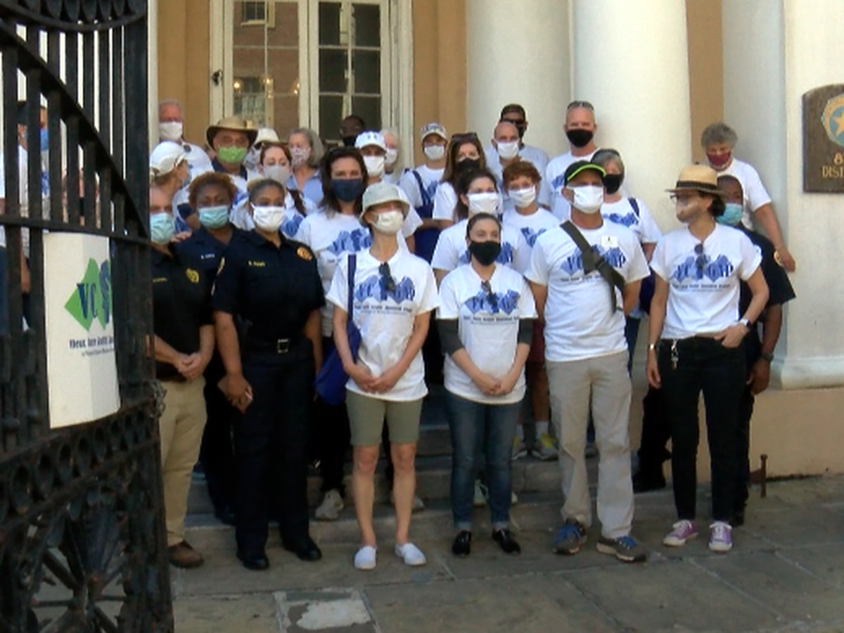 Volunteers clean up French Quarter graffiti as pandemic winds down