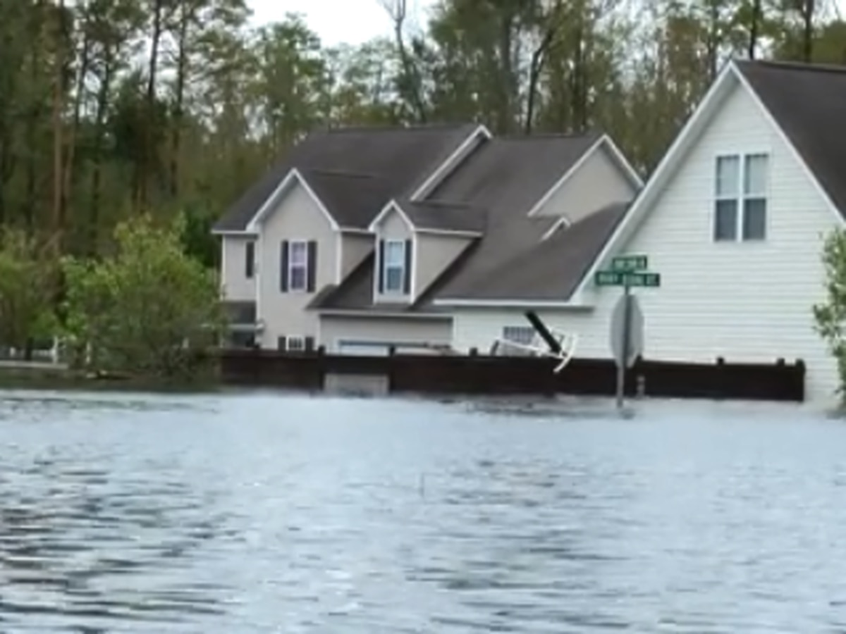Wrath of Florence: Residents return to heartbreak in NC neighborhood