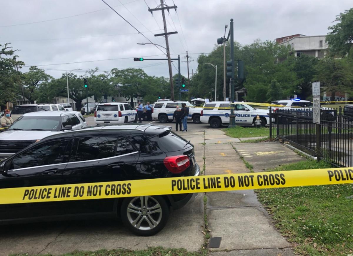 Off-duty officer in shootout with car burglars near popular Mid-City restaurant, NOPD says