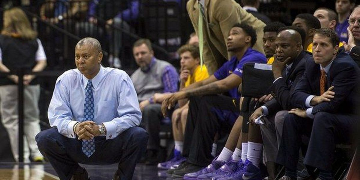 LSU's NCAA Tourney hopes fading after upset loss at Tennessee