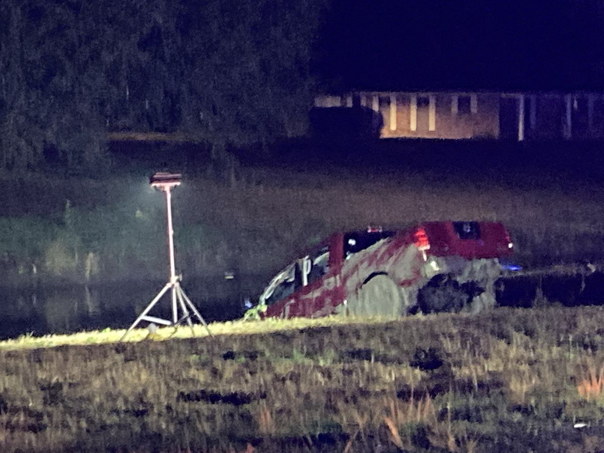 2 adults, 2 children rescued from submerged vehicle in Ascension Parish