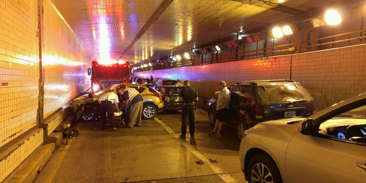11 vehicles involved in chain-reaction crash in Belle Chasse tunnel