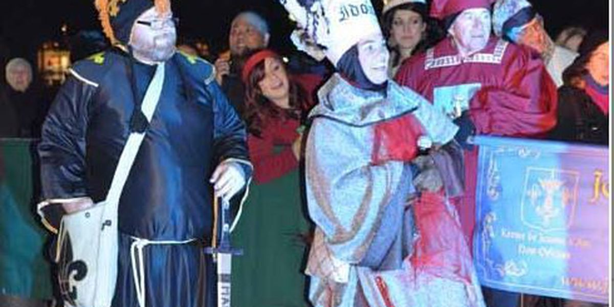 Cold pushes Joan of Arc parade back to Saturday night