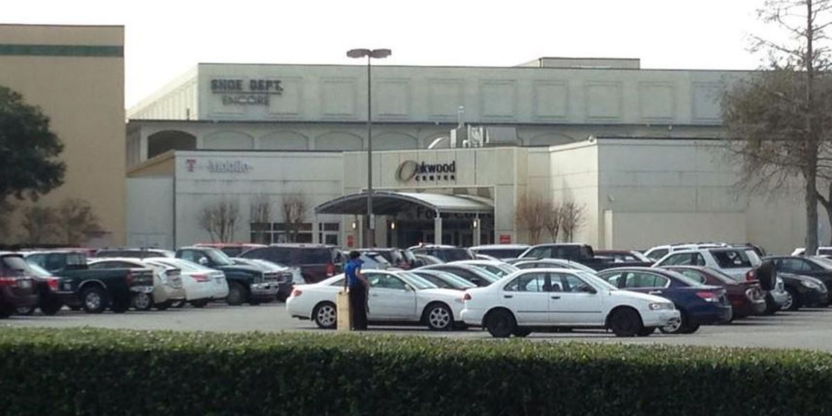 Shoppers return to scene of mall shooting