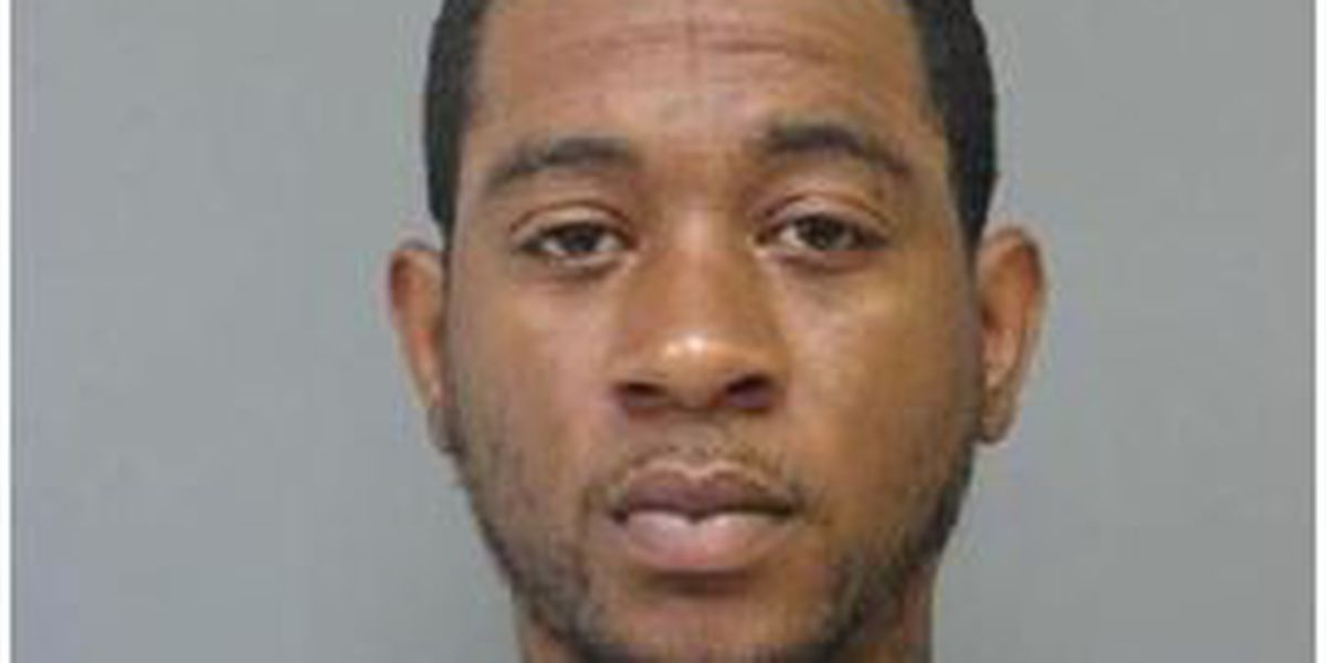 NOPD: Man slapped pregnant girlfriend, threatened her with gun