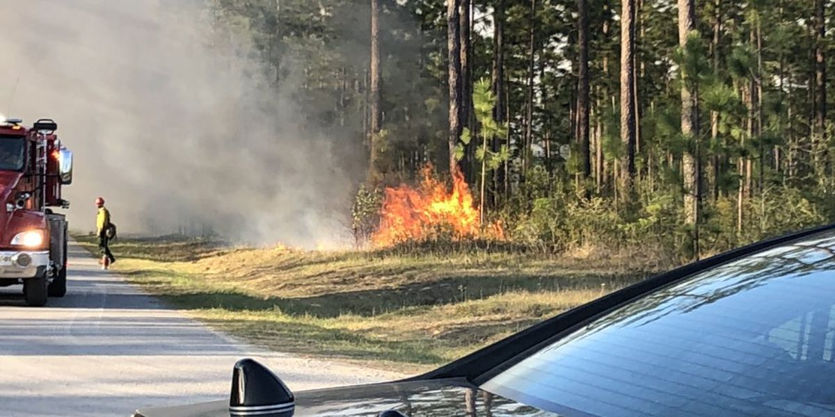 Homes threatened as wildfire burns hundreds of acres in Jackson County