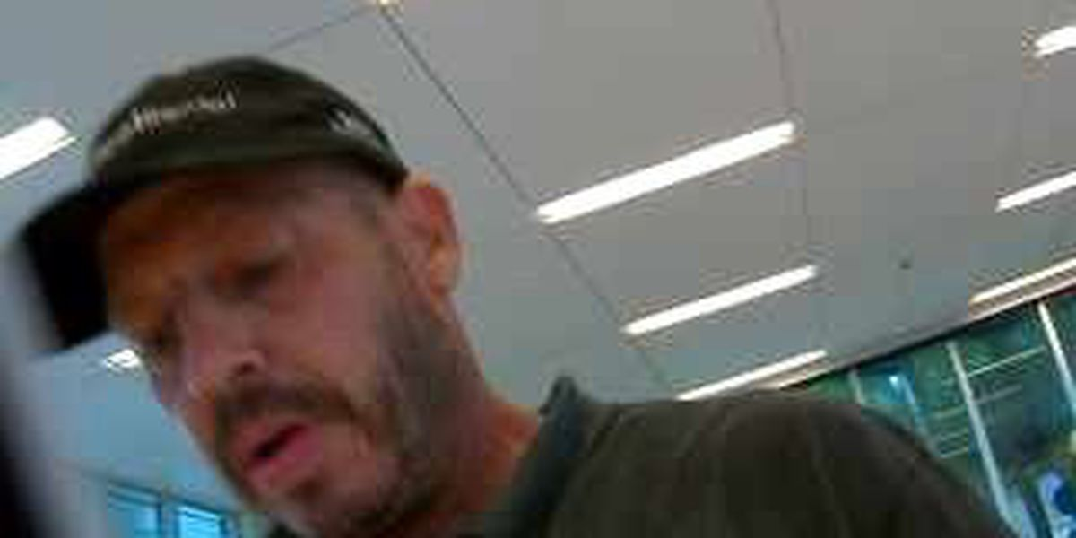 Man robs Mid-City bank, escapes with undisclosed amount of cash
