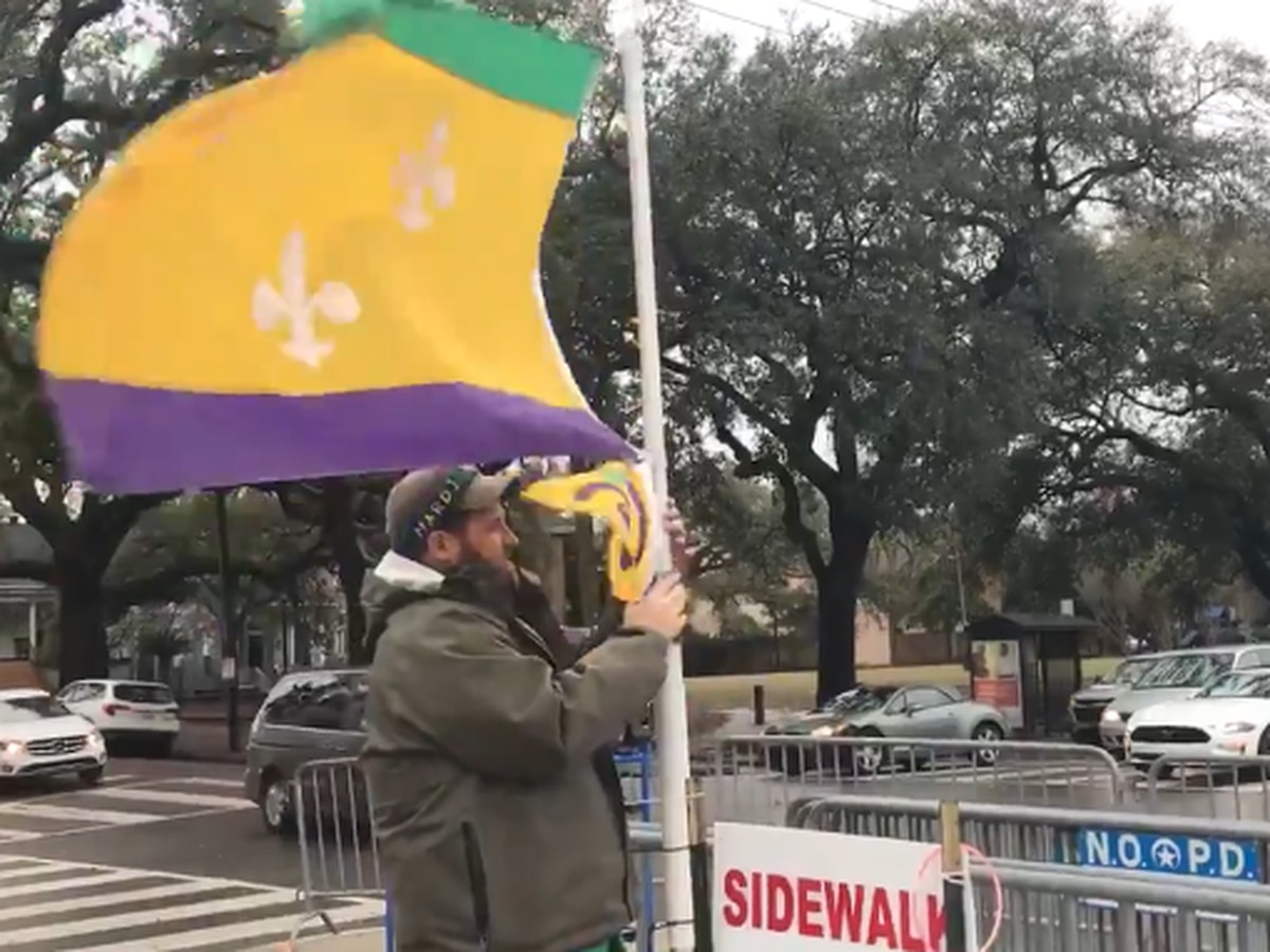 New Orleans postpones all Uptown parades on Thursday due to high winds