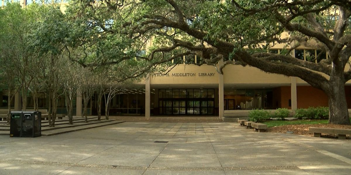 LSU board votes in favor of removing Middleton name from library