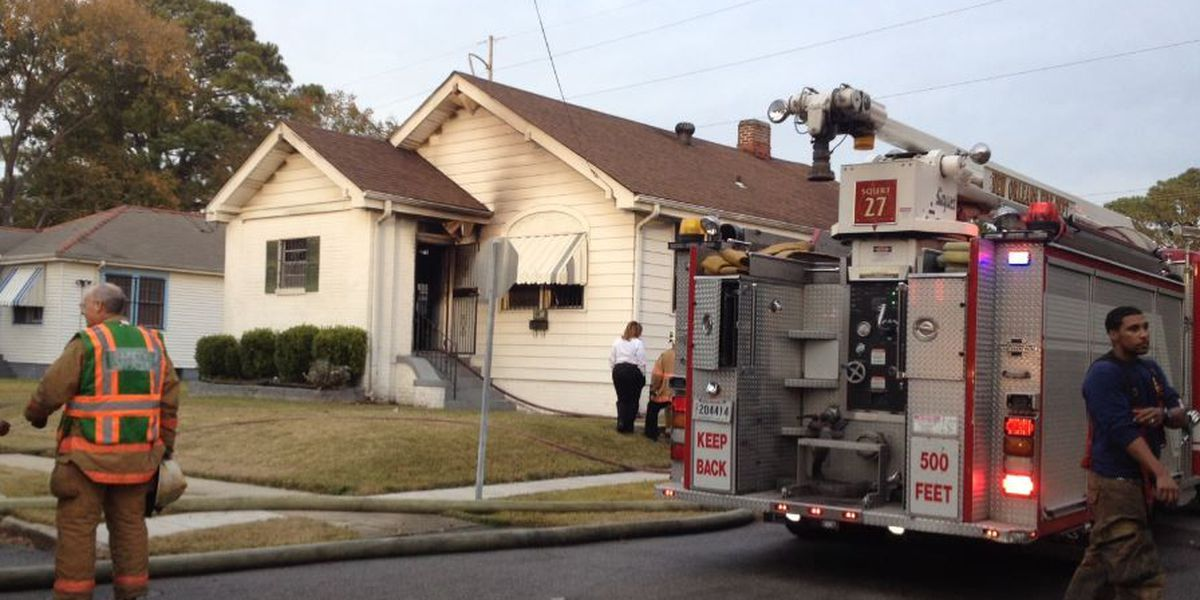 Woman pulled from burning Gentilly home dies at hospital