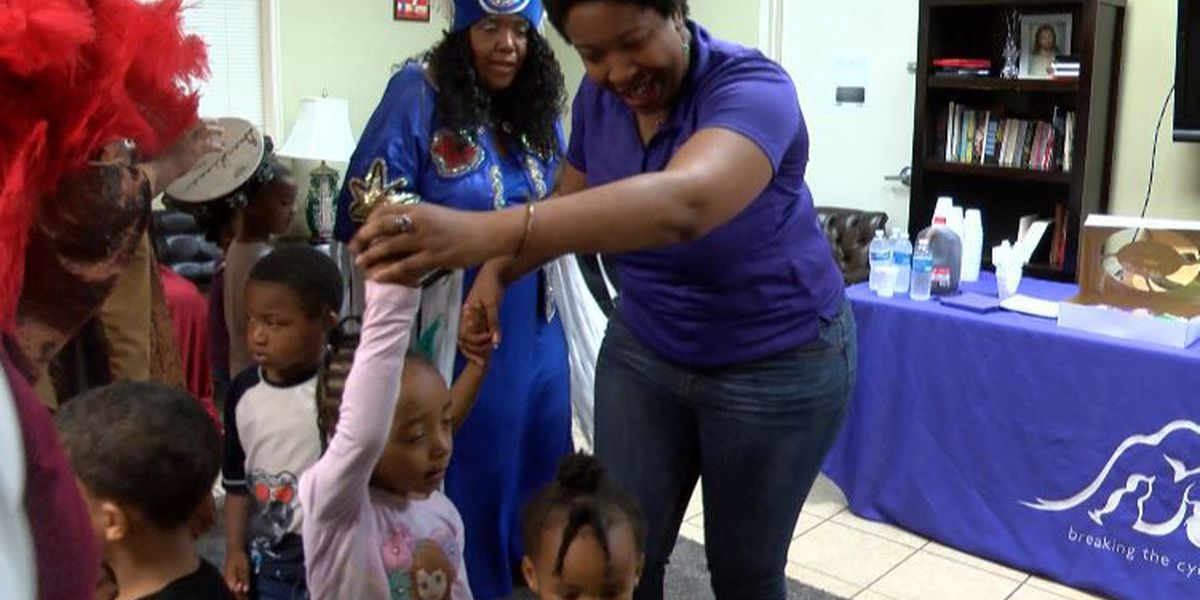 Mardi Gras Indians teach traditions of Mardi Gras to children at local shelter