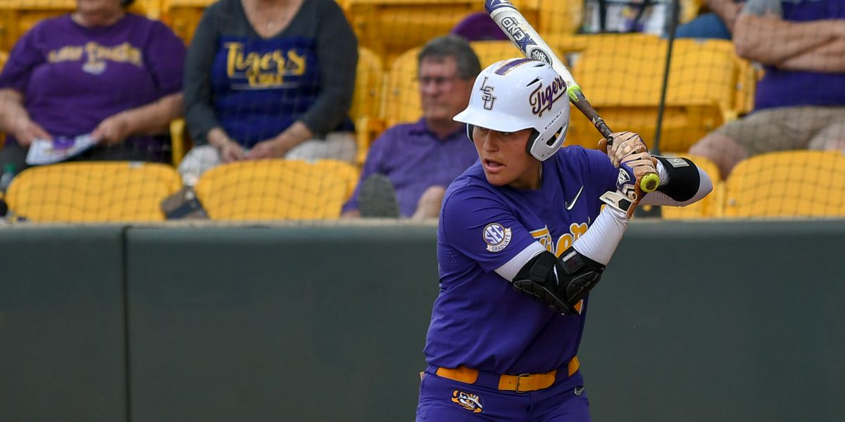 No. 9 LSU softball run-rules Troy in 5 innings