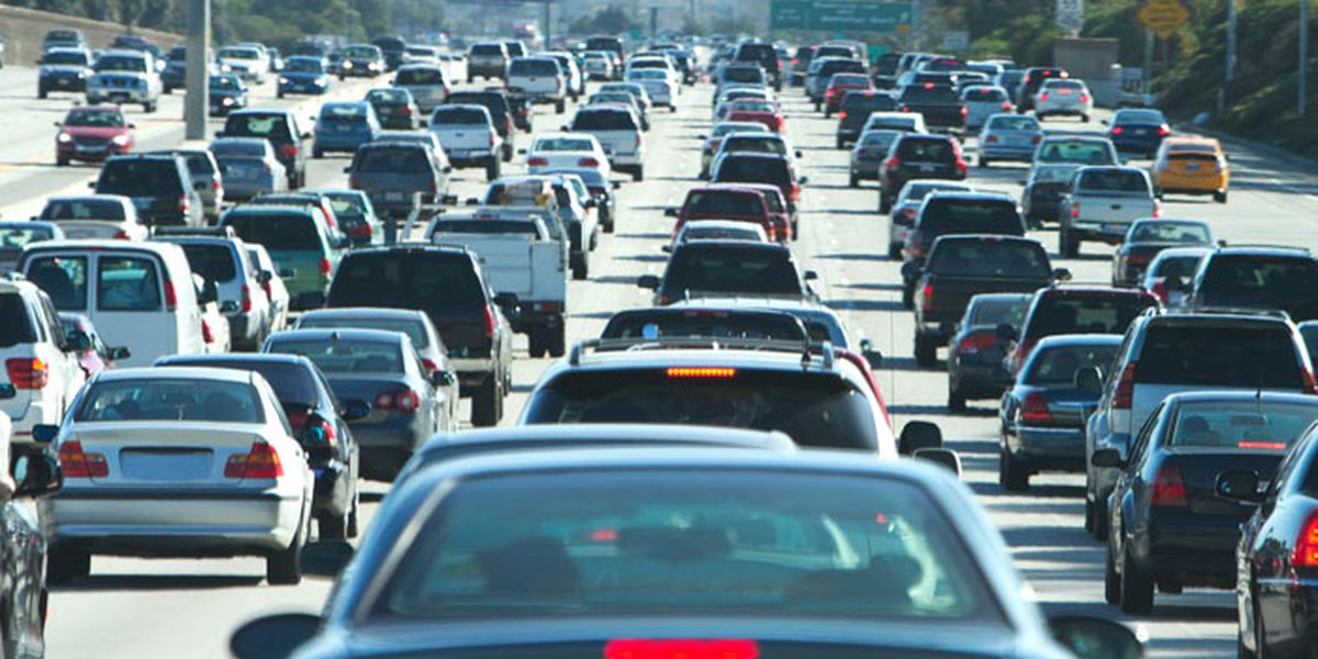 23 US governors join Calif. in opposing Trump freeze on tough mileage standards
