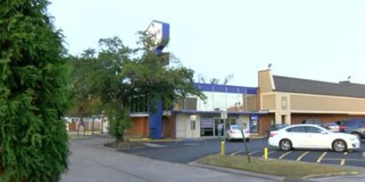 Armed gunman robs Old Jefferson bank