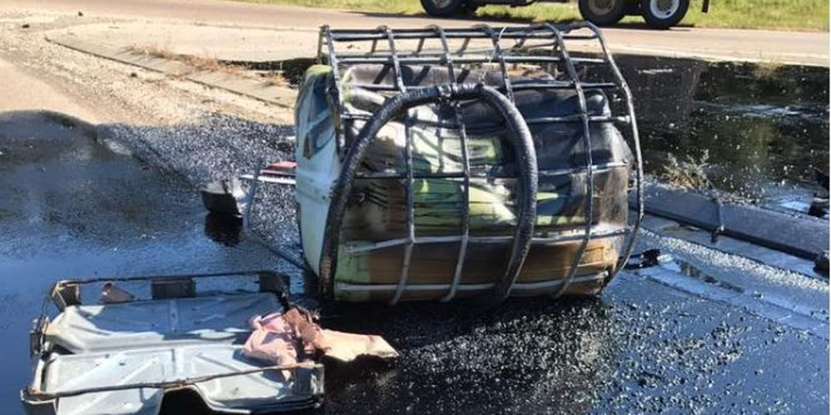 Crews cleaning up minor oil and tar spill in Madisonville