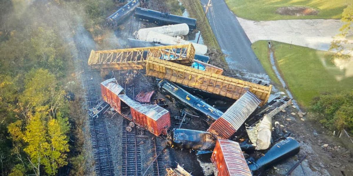 Train derails in southeast Texas, forcing evacuations