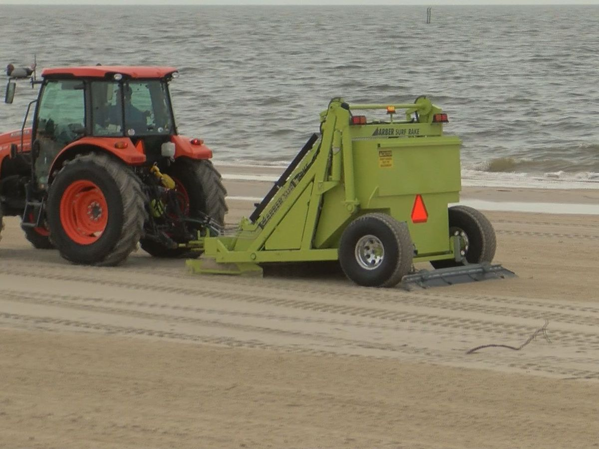 Beach cleanup crews busy after Barry