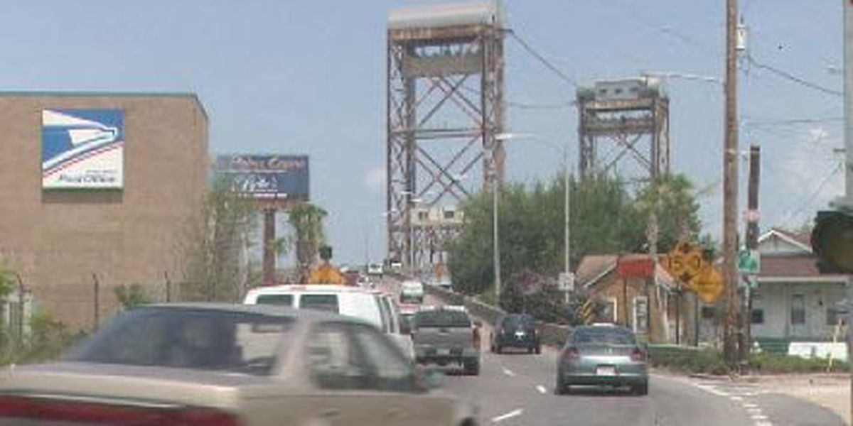 Judge Seeber bridge closed due to mechanical malfunction