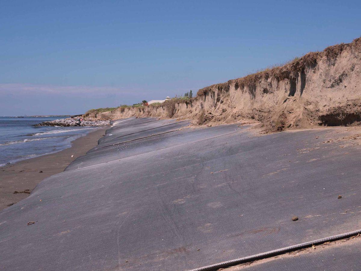 "Grand Isle struggles to repair its damaged ""burrito"" levee"