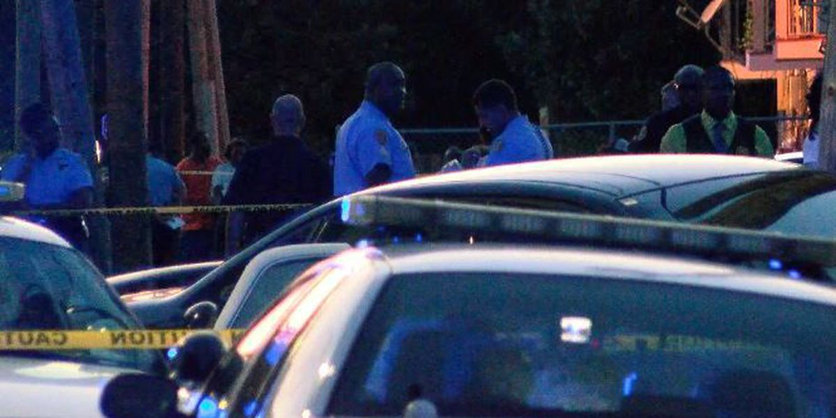 Son finds father shot dead inside Algiers home