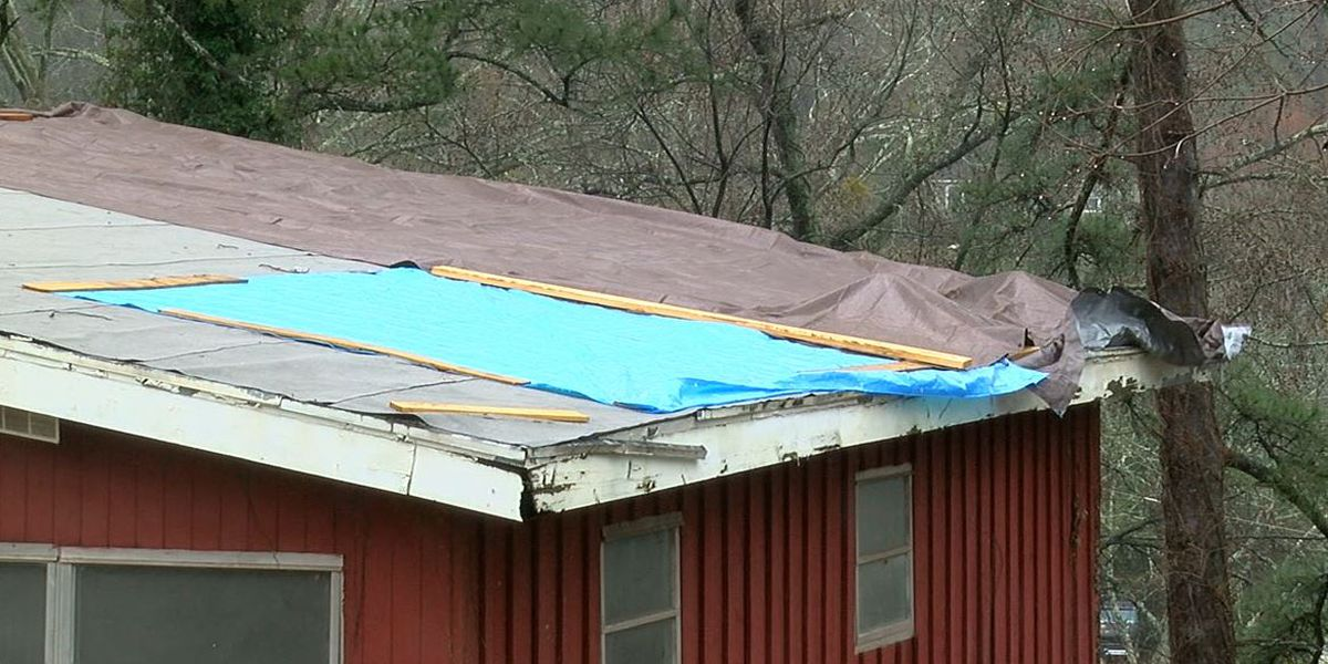 Plaquemines Parish offers hot meals, tarps for those in need on Sunday
