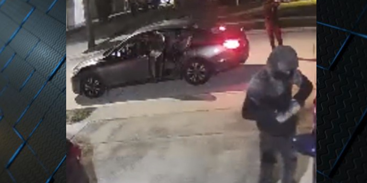 VIDEO: Police search for armed vehicle burglars in New Orleans East