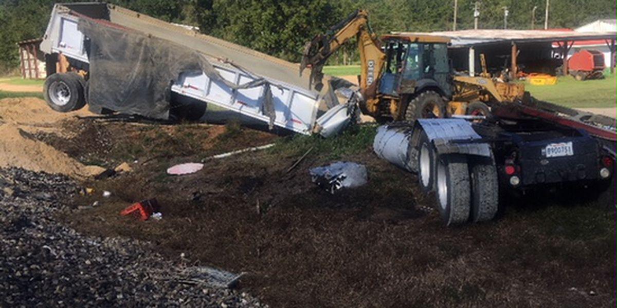 Minor injuries, fatality after train slams into 18-wheeler in Tangipahoa Parish