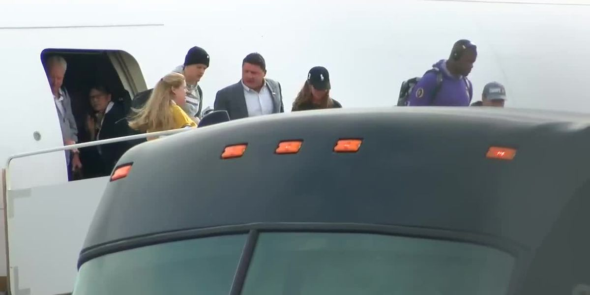 Fans welcome home the Tigers after Peach Bowl win
