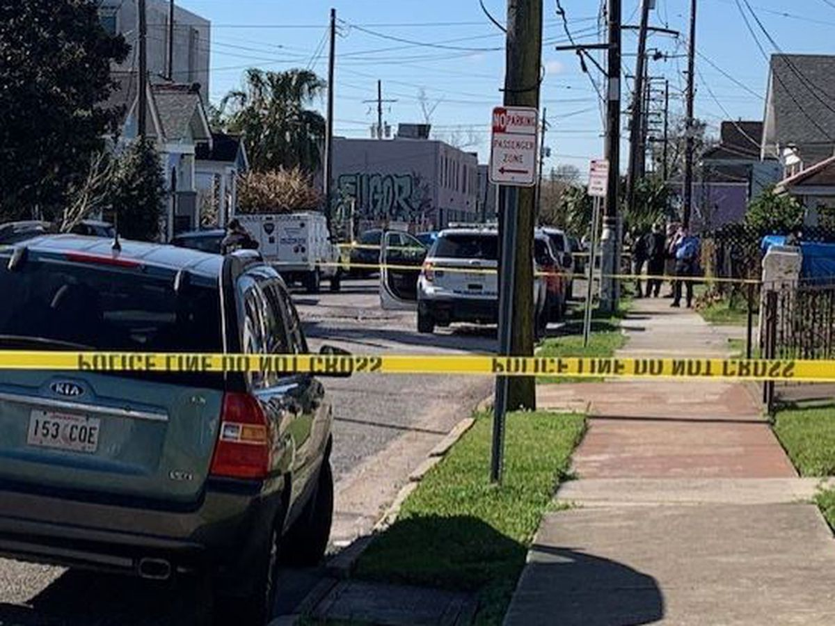 Man, woman killed in separate Wednesday morning homicides