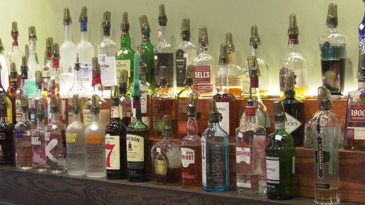 Jefferson Parish councilmember pushes to allow bars to reopen
