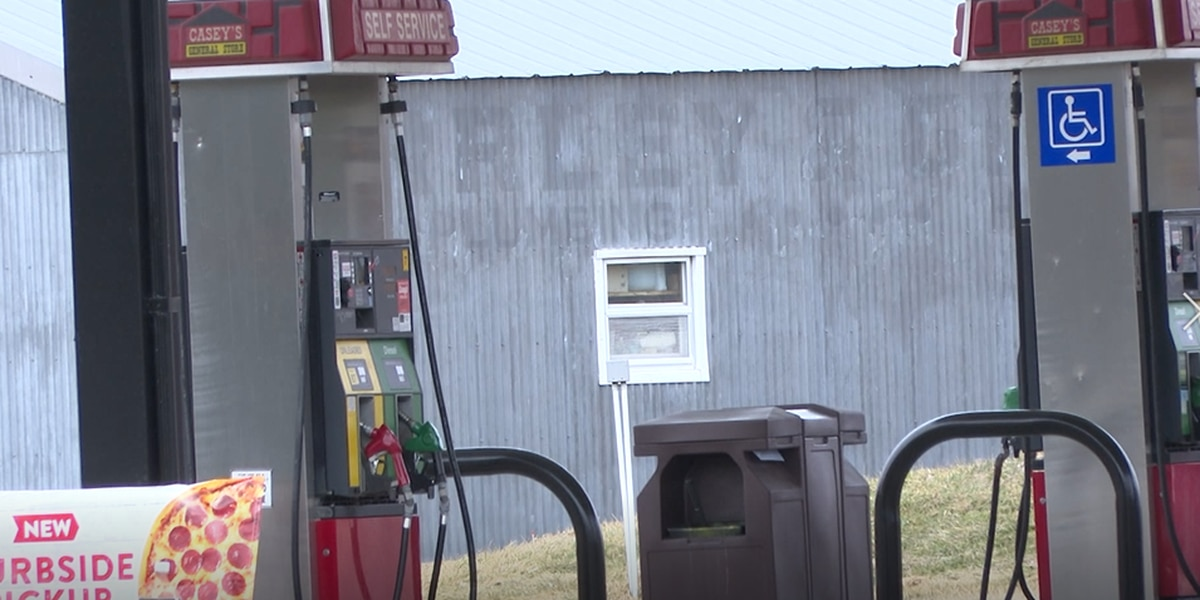 Be aware of your surroundings while pumping gas, NOPD warns