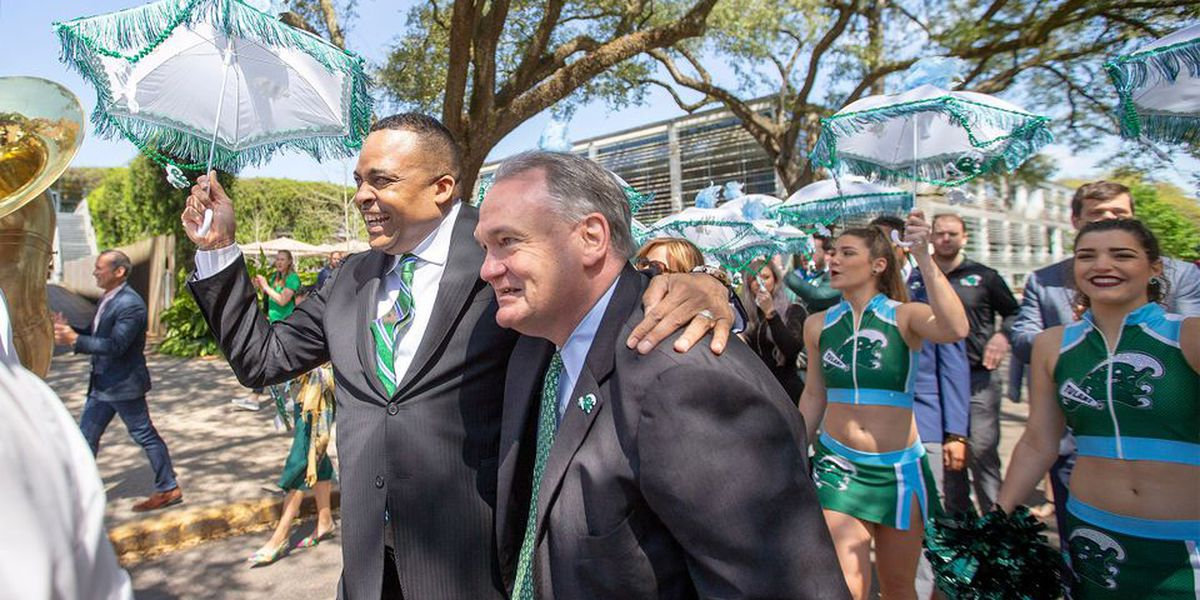 New basketball coach Ron Hunter isn't dwelling on Tulane's past failures, it's time to look forward