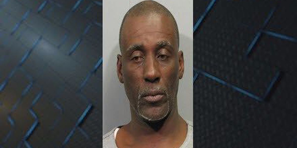 Kenner man arrested for stabbing his wife