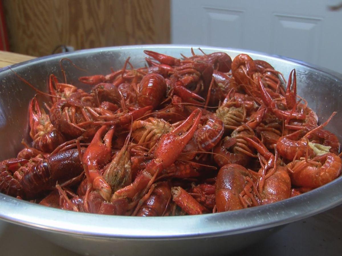 Good Friday crawfish sales are brisk