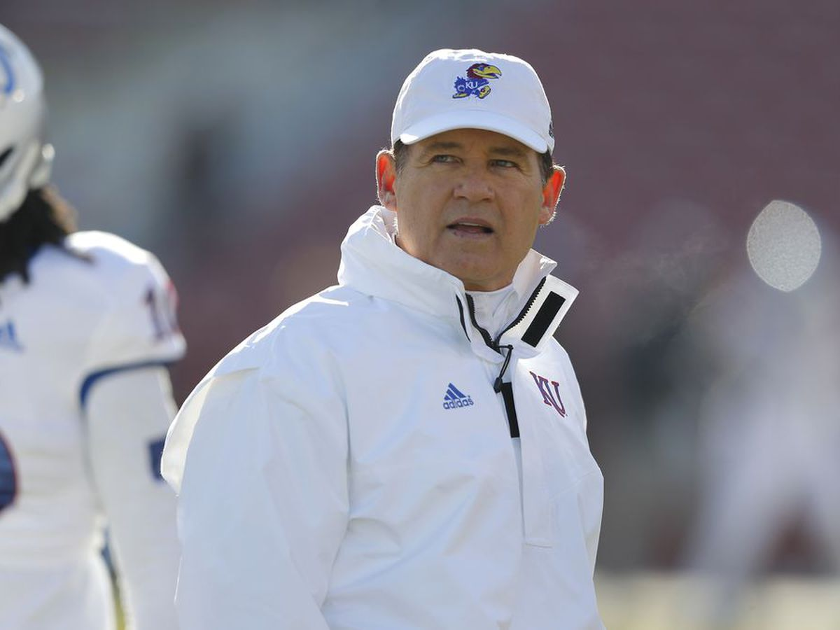 Les Miles placed on leave after LSU sexual misconduct report